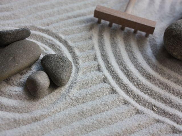 Ufficio Zen Zen : Giardino zen in miniatura da tavolo come costruirne uno per l ufficio